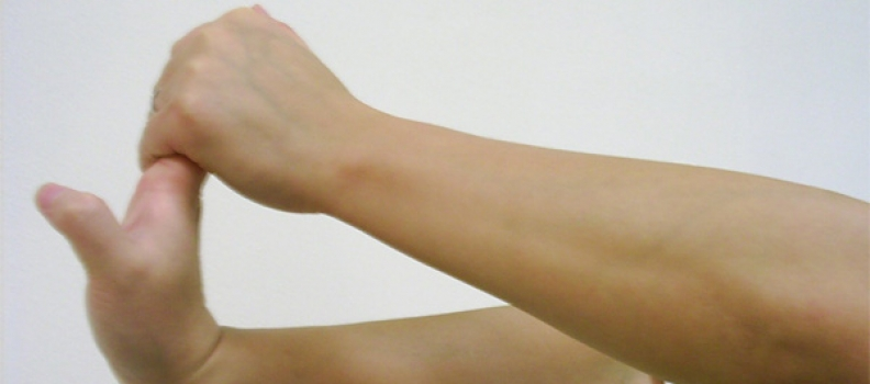 Bí quyết phòng ngừa và chế độ dinh dưỡng cho người bị tê nhức chân tay