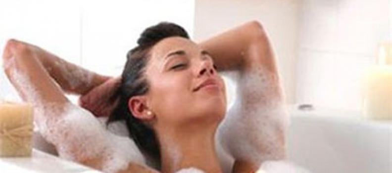 Cẩn thận việc tắm ngay sau đi nắng về