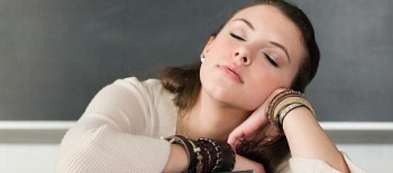 Ngủ gật ban ngày có phải dấu hiệu của bệnh?